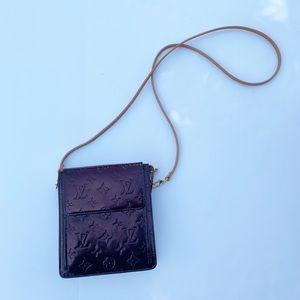 ❗️Louis Vuitton Vernis Pochette Mott Crossbody